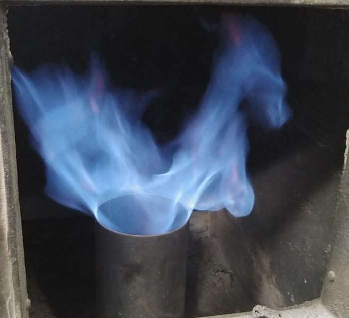 Pyrowatt gázgenerátoros biomassza kiserőmű, az előállított tiszta gáz égése
